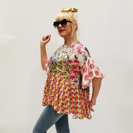 Блуза   итальянских  дизайнеров  . Шелк 100%