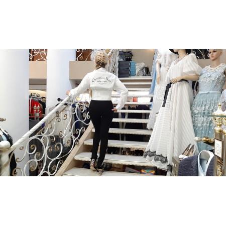 Белая роскошная блуза
