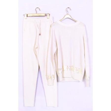 костюм трикотаж Цвет белый  Состав 45% cashmere 30% wool 25% fibre