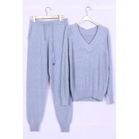 костюм трикотаж Цвет голубой  Состав 45% cashmere 30% wool 25% fibre