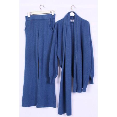 костюм трикотаж тройка Цвет синий  Состав 85% wool 15% polyester